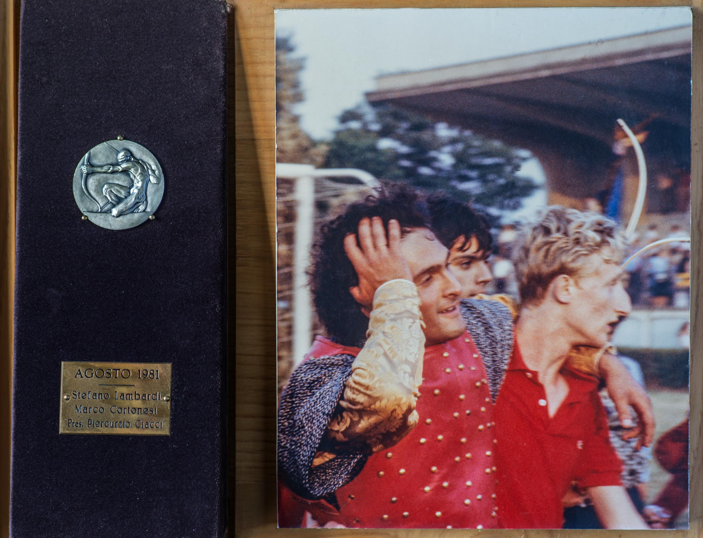 V - Agosto 1981, Arcieri: Stefano Lambari e Marco Cortonesi, Presidente: Piercurzio Ciacci