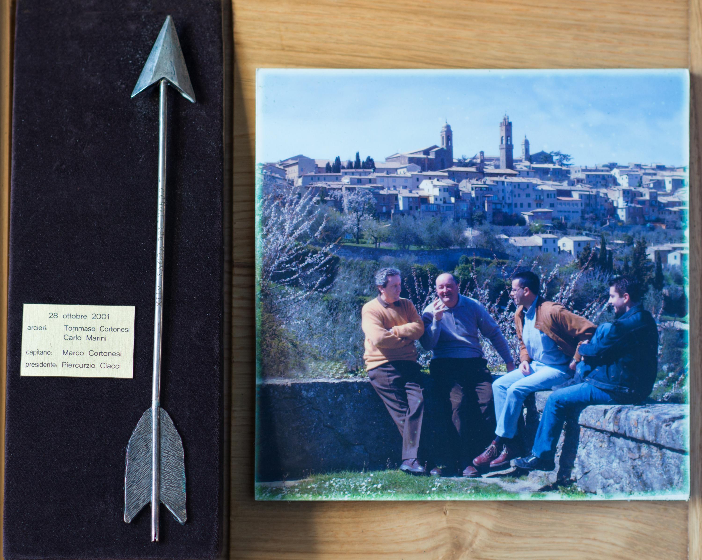 XIV - Ottobre 2001, Arcieri: Tommaso Cortonesi e Carlo Marini, Capitano degli Arcieri: Marco Cortonesi, Presidente: Piercurzio Ciacci